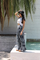 wide brim hat - cut off muscle top - palazzo Anthropologie pants