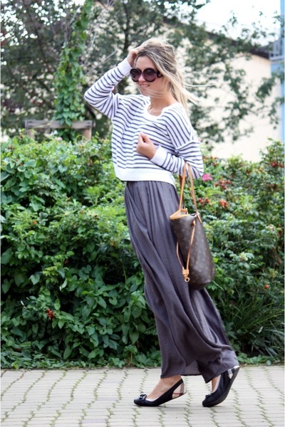 charcoal gray Zara skirt - H&M sweater - Prada sunglasses - Burberry flats