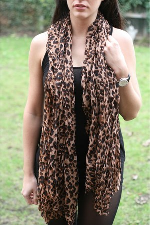 Fashioncasuals scarf