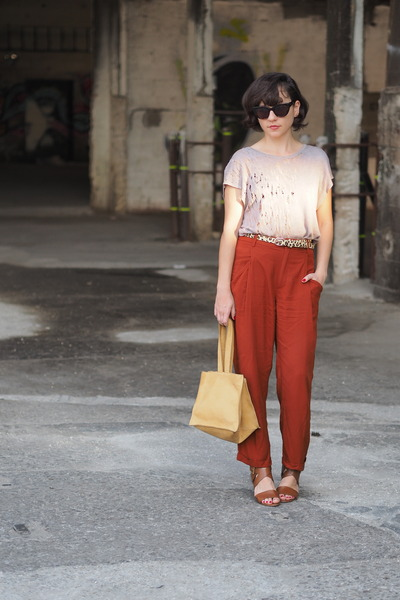 Burnt-orange-zara-pants-beige-forever-21-jumper-brown-michael-kors-sandals