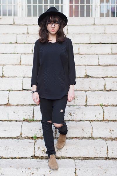 black c&a hat - tan asos boots - black H&M shirt - black H&M pants