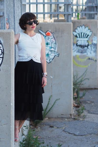 black H&M skirt - white Mango top