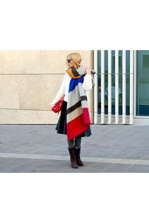 blue Zara scarf - white Bershka sweater - red christian dior bag
