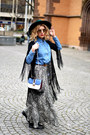Navy-valentino-bag-camel-christian-dior-sunglasses-blue-zara-skirt