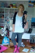 Vero Moda jeans - H&M t-shirt - Zara vest