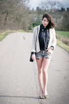 light pink AMERICAN VINTAGE cardigan - gray Urban Outfitters shirt