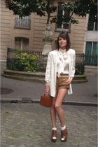 beige Zara jacket - beige vintage blouse - brown Zara shoes - brown vintage wall