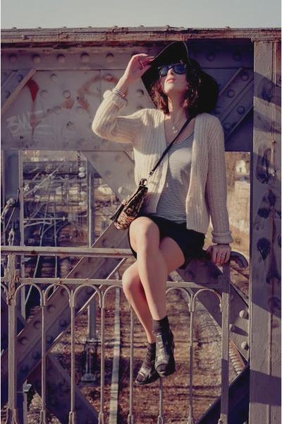 Topshop leopard bag bag - leather skirt skirt - AMERICAN VINTAGE vest - Zara san
