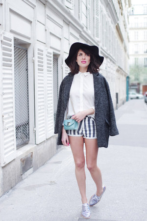 pull&bear coat - sky blue liu jo bag - Sheinsidecom shorts
