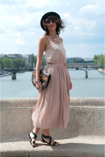 beige Queens Wardrobe dress - brown vintage accessories - black Minelli shoes -