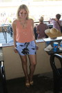 Periwinkle-print-jcrew-shorts-nude-round-mirrored-vintage-sunglasses