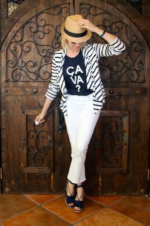 white kick flare Cabi pants - camel fedora farmers market hat