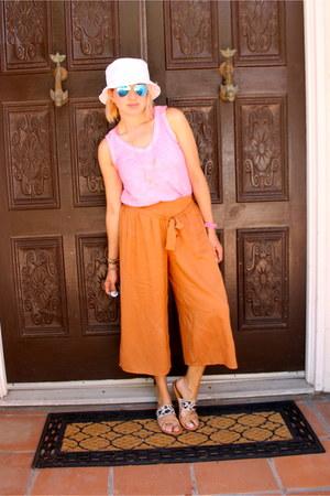 white Forever 21 hat - aquamarine aviator Ray Ban sunglasses