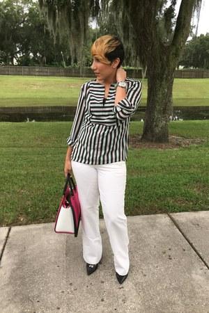 Bebe blouse - Gap pants