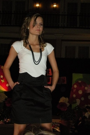 white Wet Seal shirt - black Wet Seal skirt - black Claires necklace