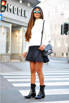 white scuba Zara top - black ankle boots acne boots