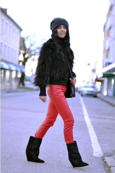 black lazio Isabel Marant boots - black fur Mango coat - black H&M hat