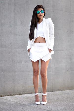white Zara blazer - aquamarine mirrored Freyrs sunglasses