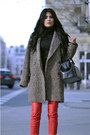 Light-brown-oversized-mango-coat-black-doctors-zara-bag