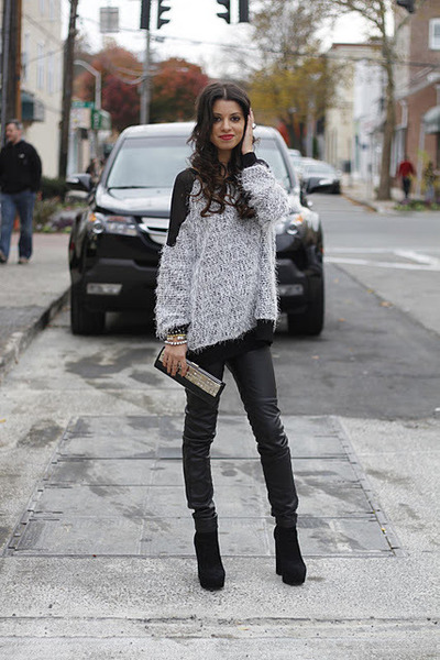 shaggy Audrey 31 sweater - suede Dolce Vita boots - studded vintage bag