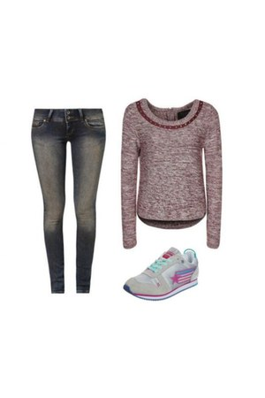 Cross Jeanswear jeans - Guess jumper - Superdry sneakers