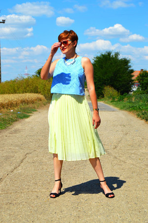 sky blue chiffon Zara skirt - black leather H&M sandals