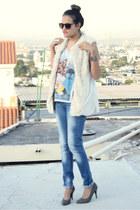 sky blue basic Zara jeans - silver graphic Zara t-shirt