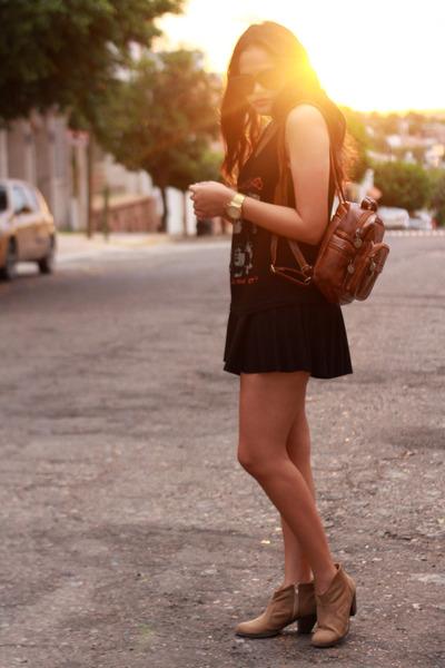 burnt orange retro style PERSUNMALL bag - black audrey celi sunglasses