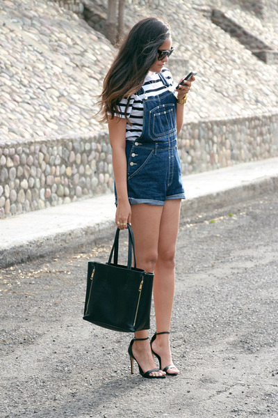black zipper Chicwish bag - black Celine sunglasses - black Zara heels