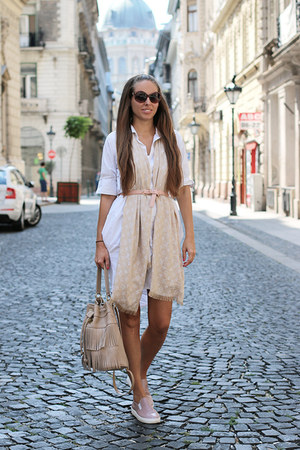 Printa dress - Annamaria Pap bag - Valentino sunglasses