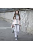 Zara jeans - Stradivarius sweater - Alma Abonyi bag - Adidas sneakers