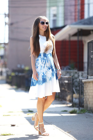 Fibula dress - Gant sunglasses - Zara heels