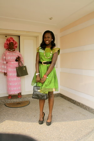 tailor made dress - vintage bag - vintage belt - Steve Madden pumps