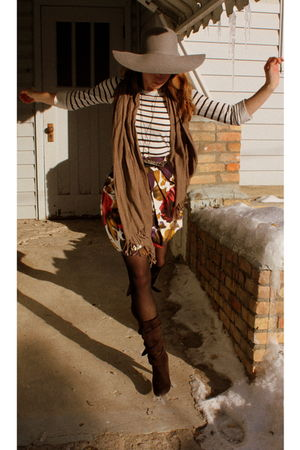 white joe shirt - pink le chateau skirt - brown le chateau boots - gray American