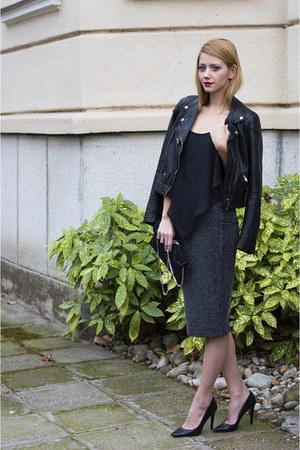 black faux leather StyleMoi jacket - black chain clutch F&F bag