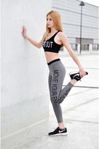 heather gray sport tezenis leggings - black sports bra tezenis bra