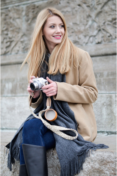 tan camel Sheinside coat - black Jessica Buurman boots - navy skinny H&M jeans