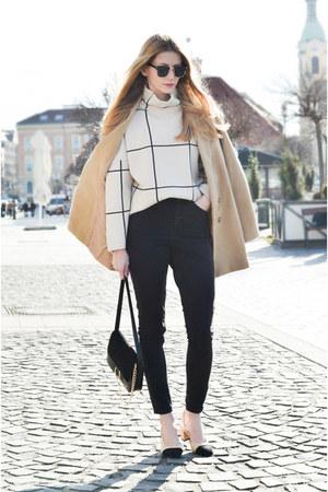 tan camel Sheinside coat - navy skinny tezenis jeans