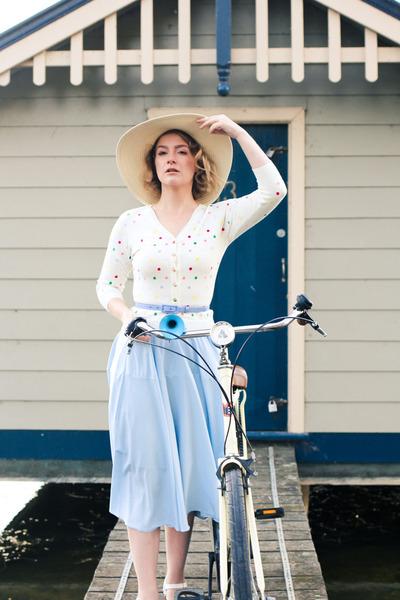 light blue midi Chicwish skirt - white Alannah Hill cardigan