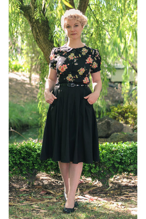 black Seamstress of Bloomsbury blouse - black midi modcloth skirt