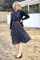 black modcloth dress - dark brown plain leather bag