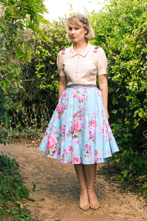 sky blue floral midi Etsy skirt - light pink detailed Alannah Hill blouse
