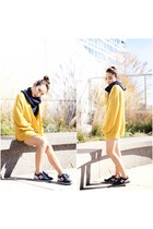 American Apparel cardigan - New Balance sneakers