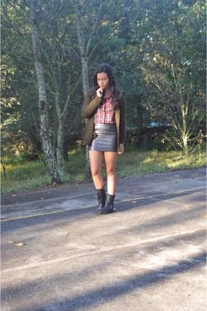 Forever 21 skirt - Zara boots - Aeropostale shirt