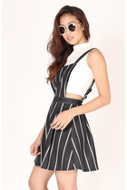 FLAUNT On The Line Pinafore Dress - Black