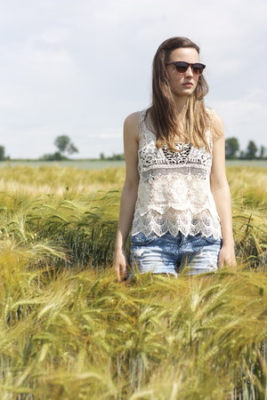 white crochet Zara top