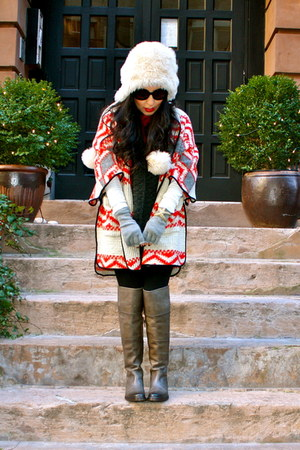 red Zara cape - heather gray alberto fermani boots