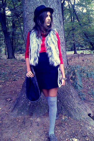 meli melo hat - Claires bag - Accessorize socks - Orsay blouse - Primark vest