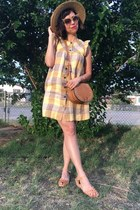 saddle Ebay purse - camel shoes - light yellow aritzia dress