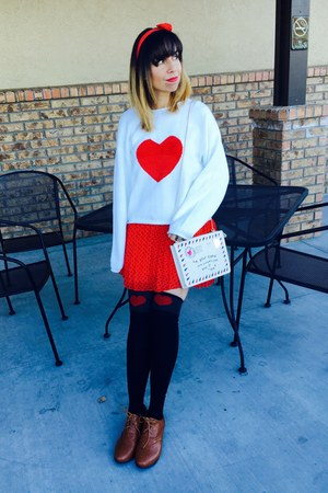 white heart thrifted sweater - oxfords modcloth shoes